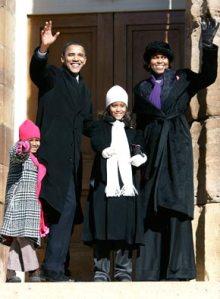 obama-family-waving