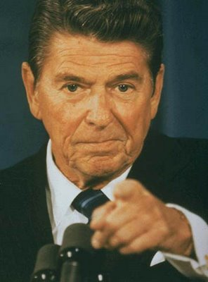 http://standupforamerica.files.wordpress.com/2009/02/1986-reagan-pointing.jpg