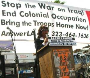 maxine-waters-iraq-rally