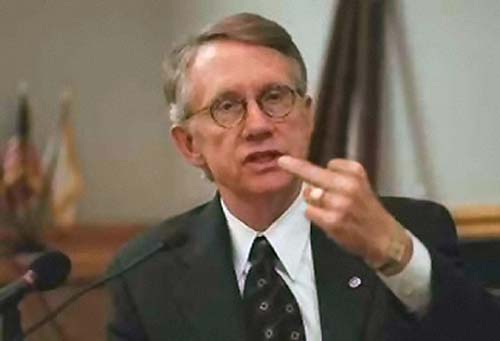 http://standupforamerica.files.wordpress.com/2009/06/harry-reid-finger.jpg